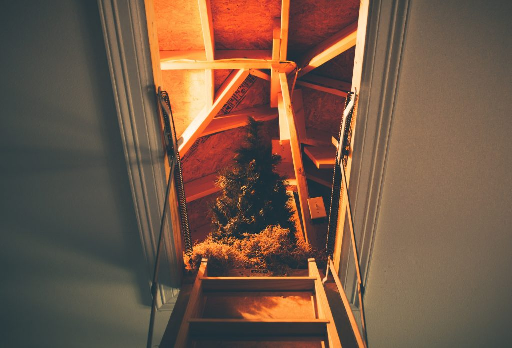 attic-christmas-christmas-decor