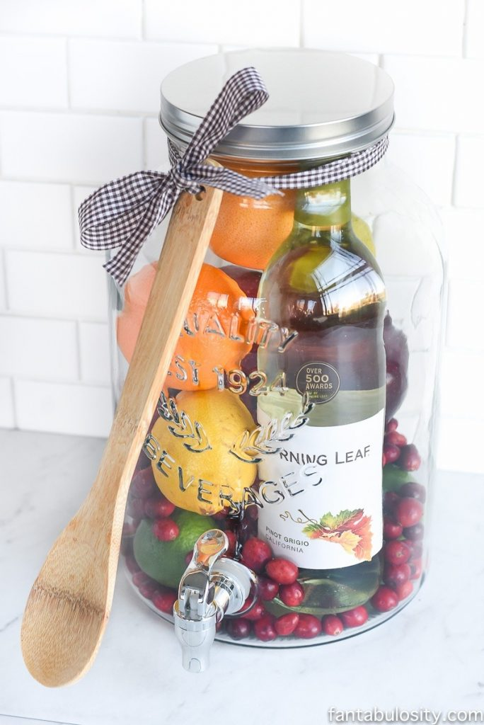 DIY-Gift-Idea-Sangria-for-Friend (1)