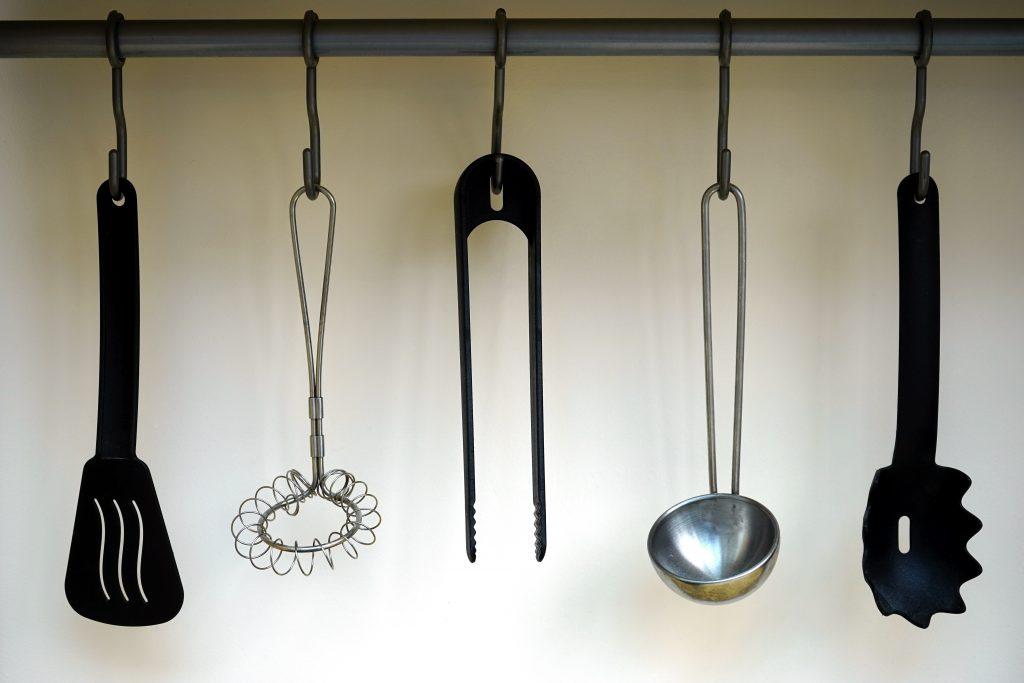 hanging-kitchen-kitchen-utensils-211760201