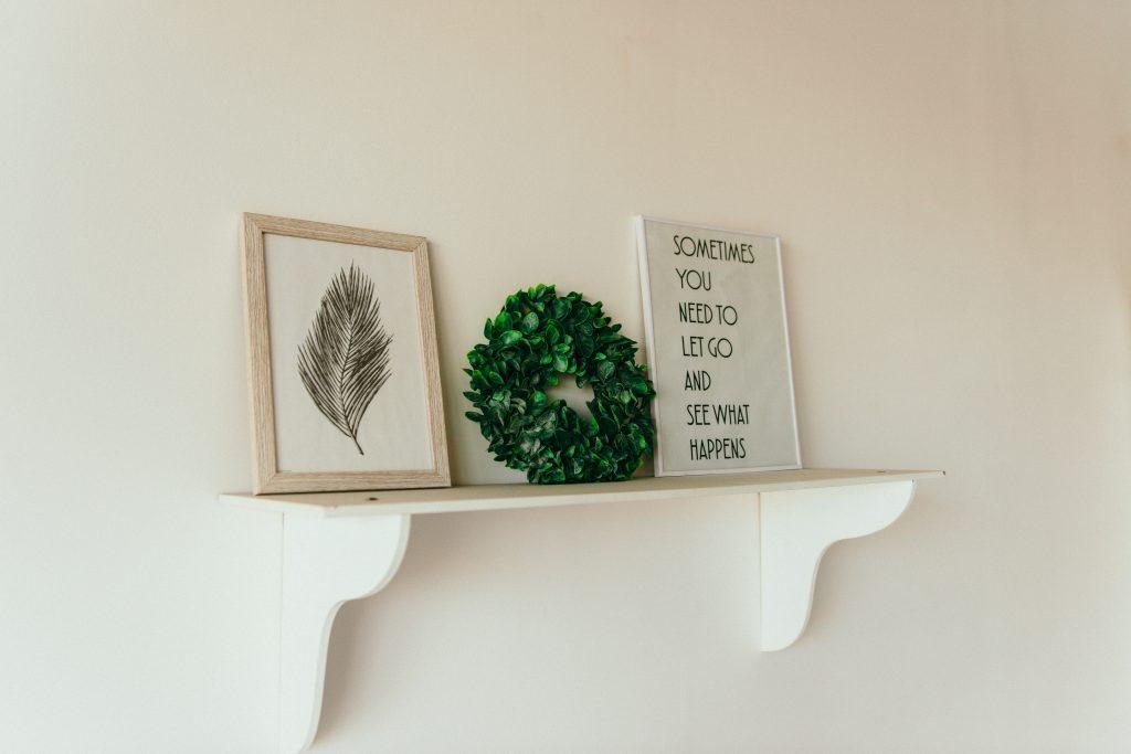 green-leafed-wreath-2062427